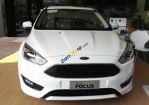 Bán Ford Focus 2018, hỗ trợ vay 90%-100%, tặng phụ kiện ghế da - dán kính - bảo hiểm 2 chiều