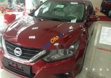 Cần bán xe Nissan Teana sản xuất 2017, màu đỏ, nhập khẩu nguyên chiếc