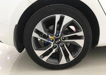 Bán Kia Rondo GAT 2.0AT đời 2017, màu trắng giá cạnh tranh
