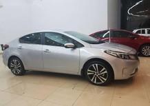 Bán xe Kia Cerato 1.6 (Kia K3) màu bạc tại Đồng Nai giá 530tr có xe giao ngay. Ngân hàng hỗ trợ vay đến 80%