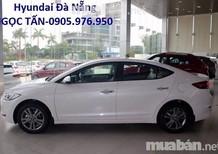 Hyundai Sơn Trà Cần bán xe Hyundai Elantra MT 2018, màu trắng, giá tốt