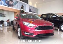 Bán xe Ford Focus Trend 4 cửa màu đỏ, hỗ trợ trả góp 80% tại Vĩnh Phúc