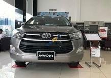 Bán ô tô Toyota Innova 2.0E sản xuất năm 2018, màu xám
