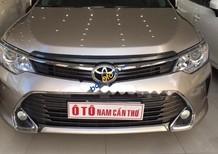 Bán ô tô Toyota Camry 2.5Q sản xuất 2015, màu vàng