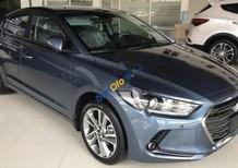 Bán Hyundai Elantra đời 2018, màu xanh lam