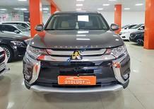 Cần bán Mitsubishi Outlander 2.4 CVT Premium 2018, màu nâu số tự động