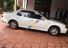 Cần bán xe Nissan Bluebird năm 1993, màu trắng, giá tốt