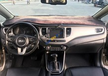 Bán Kia Rondo GAT sản xuất năm 2017, màu vàng, giá 595tr