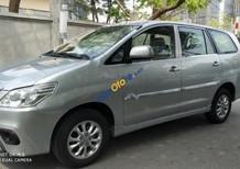 Cần bán Toyota Innova MT sản xuất năm 2014, màu bạc, nhập khẩu chính chủ
