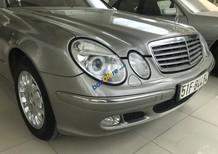 Cần bán xe Mercedes-Benz E class đời 2004 màu xám, 320 triệu