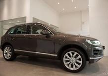 Bán xe Volkswagen Touareg SUV 5 chỗ, xe Đức nhập khẩu nguyên chiếc chính hãng, mới 100%. LH 0933 365 188