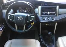 Cần bán lại xe Toyota Innova 2.0 E 2016