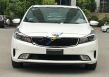Cần bán gấp Kia Cerato 1.6AT đời 2017, màu trắng, giá chỉ 618 triệu