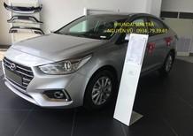 Bán Hyundai Accent 2018, màu bạc
