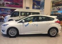 Bán Ford Focus 2018 - quà tặng tiền mặt kèm phụ kiện full theo xe. Alo em Tuấn Anh 096 69 379 89