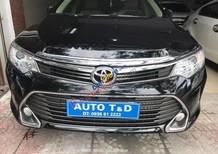 Bán Toyota Camry 2.0E đời 2015, màu đen, 860tr