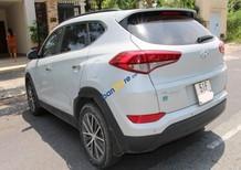 Cần bán Hyundai Tucson sản xuất năm 2015, màu trắng, nhập khẩu, 890tr