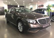 Bán xe Mercedes E200 2017, màu nâu mới 99% giá cực rẻ, bảo hành chính hãng