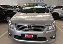 Toyota Innova E 2013, màu bạc, xe gia đình