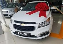 Cần bán Chevrolet Cruze MT 1.6 2018, màu trắng, giá 589tr lại còn KM thêm 60 triệu