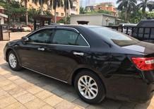 Cần bán xe Toyota Camry 2.0 E năm 2013, màu đen chính chủ