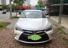 Cần bán gấp Toyota Camry SE năm sản xuất 2015, màu trắng, nhập khẩu