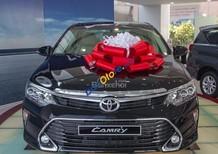 Bán xe Toyota Camry E năm 2018, xe giao ngay