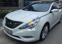 Bán ô tô Hyundai Sonata 2.0AT đời 2011, màu trắng, giá tốt