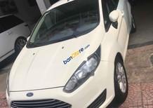 Cần bán xe Ford Fiesta AT năm sản xuất 2015, màu trắng, giá 425tr