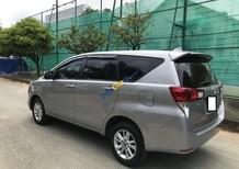 Bán xe Toyota Innova 2.0 E date 06/2017 màu ghi bạc