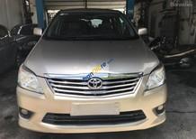 Bán xe Toyota Innova E năm sản xuất 2012, màu bạc như mới