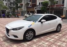 Cần bán xe Mazda 3 năm 2018, màu trắng, giá 705tr