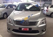 Bán xe Toyota Innova E, số sàn, 2013, màu bạc