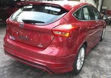 Cần bán xe Ford Focus đời 2018, màu đỏ, 649tr
