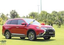 Bán Mitsubishi Outlander màu đỏ, khuyến mãi lớn, giá tốt, hỗ trợ vay vốn đến 85% giá trị xe. LH 0981267096