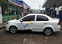 Cần bán gấp Chevrolet Aveo 1.5LTZ đời 2016, màu trắng xe gia đình
