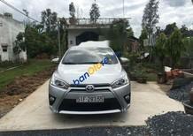 Cần bán gấp Toyota Yaris năm 2015, màu bạc, ít đi