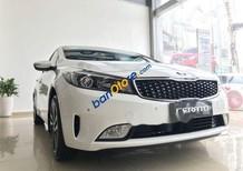 Cần bán Kia Cerato năm sản xuất 2018, màu trắng, giá tốt
