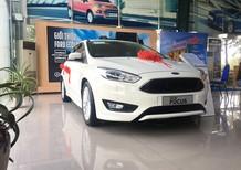 Bán ô tô Ford Focus sản xuất 2018, màu trắng, giá tốt