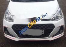 Cần bán Hyundai Grand i10 2017, màu trắng xe gia đình