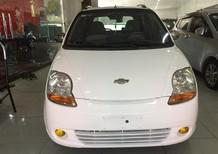Cần bán Chevrolet Spark đời 2010, màu trắng, giá tốt