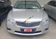Cần bán Toyota Camry 2.4G năm sản xuất 2010, màu bạc xe gia đình giá cạnh tranh