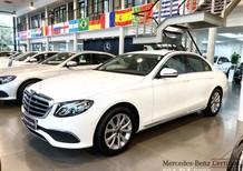 Bán Mercedes sản xuất năm 2018, màu trắng chính chủ