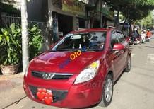Cần bán Hyundai i20 năm sản xuất 2011, màu đỏ, nhập khẩu nguyên chiếc xe gia đình
