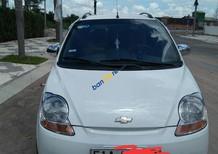 Cần bán xe Chevrolet Spark 08. MT đời 2009, màu trắng