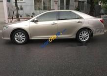 Bán ô tô Toyota Camry 2.0E sản xuất 2013, màu vàng