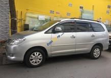 Cần bán Toyota Innova V sản xuất năm 2010, màu bạc chính chủ