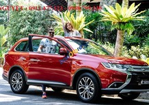 """""""Siêu hot"""" Mitsubishi Outlander mới sản xuất năm 2018, màu đỏ, góp 90% xe"""