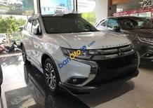 Bán xe Mitsubishi Outlander 2.0 CVT Premium năm 2018, màu trắng, giá chỉ 909 triệu
