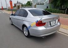 Cần bán xe BMW 3 Series 320i (E90) sản xuất năm 2008, màu bạc, nhập khẩu nguyên chiếc, giá chỉ 500 triệu